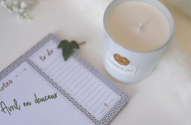 Photo d'une bougie blanche sur Swanee Rose Le Blog