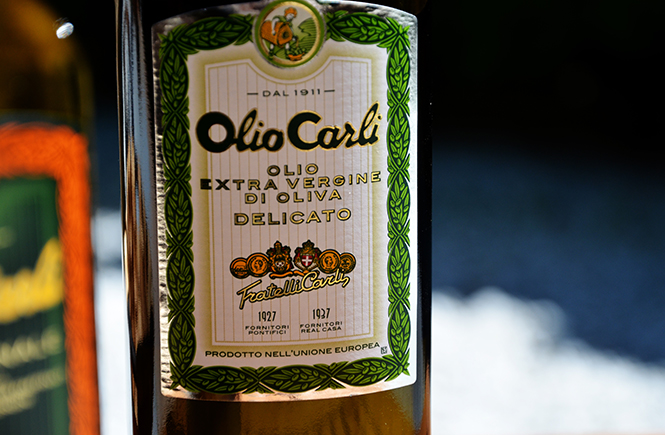 Huile d'olive vierge Extra Fratelli Carli pour accompagner mes salades d'été sur Swanee Rose Le Blog