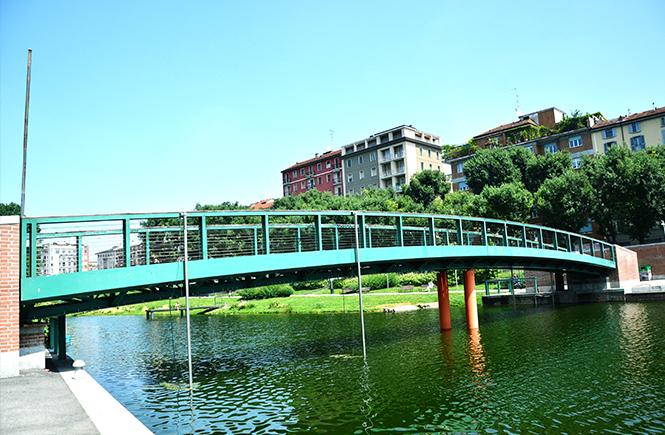 Pont-sur-la-Darsena-Milan