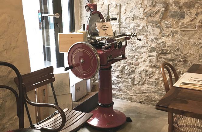 machine-à-trancher-le-jambon--la-casa-dei-sapori-bergame