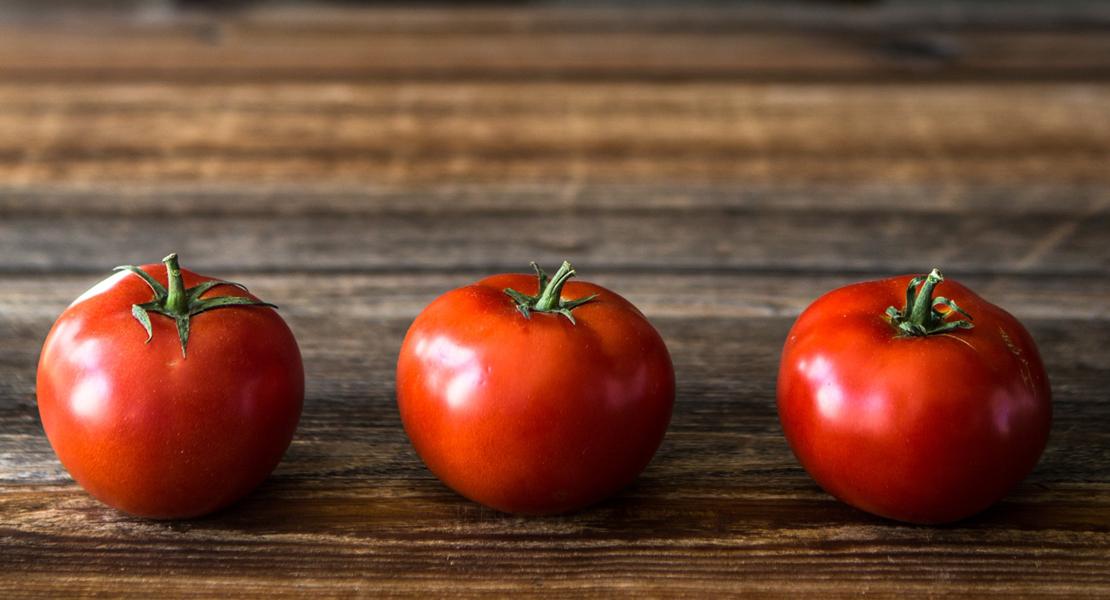 Photo de 3 tomates pour illustrer la méthode Pomodoro sur Swanee Rose Le Blog