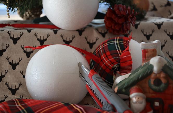DIY Boules de Noël en tissu écossais