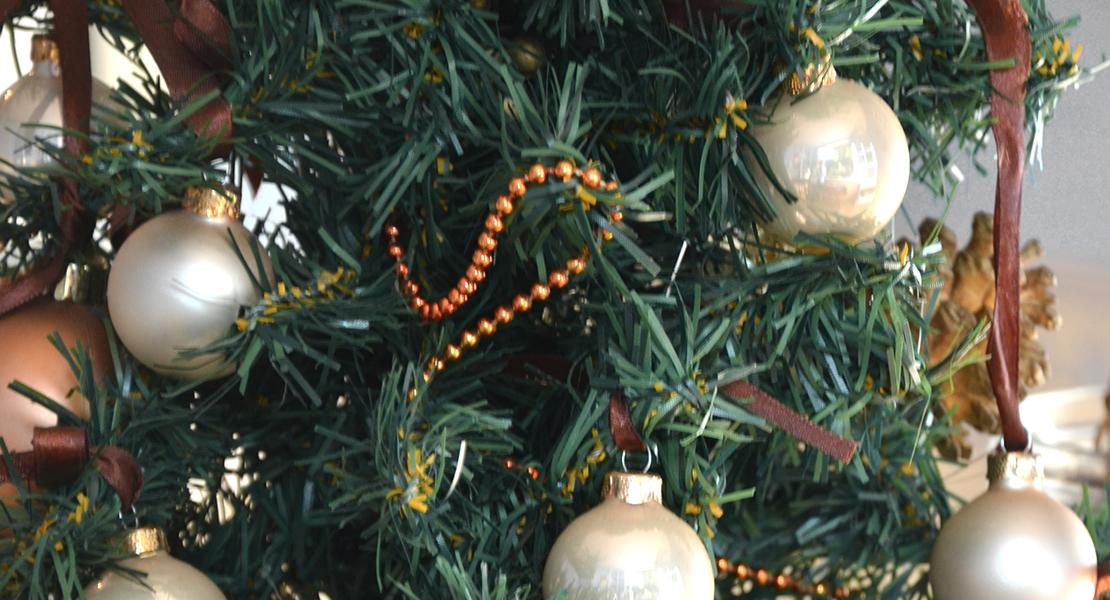 Petit-sapin-de-Noël–pour-mon-coin-bureau-sur-Swanee-Rose-Le-Blog