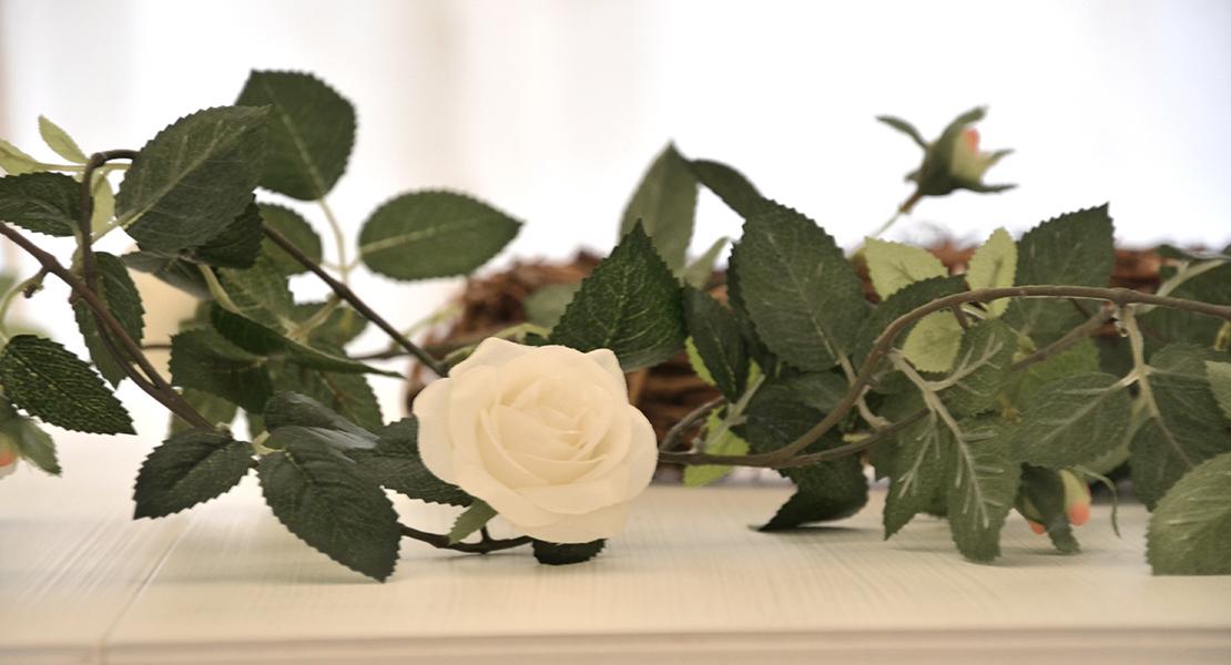 Guirlande-de-roses-blanches