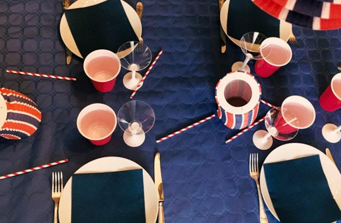 Table bleu blanc rouge pour le 14 juillet